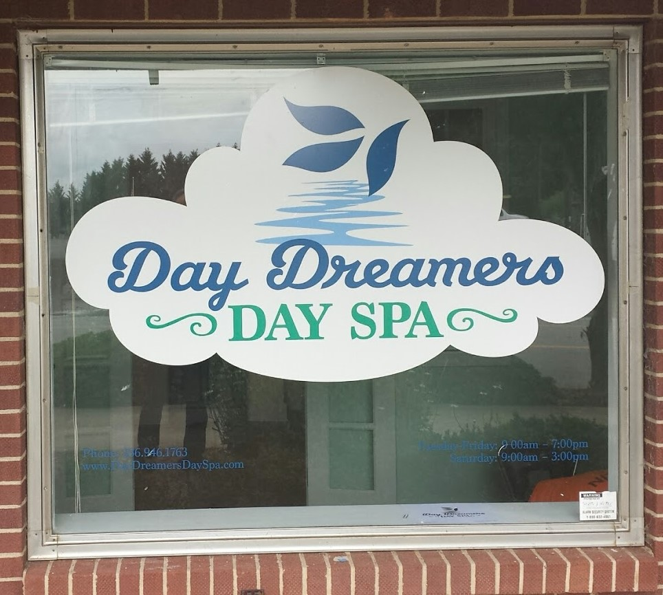 day dreamers spa window graphic display